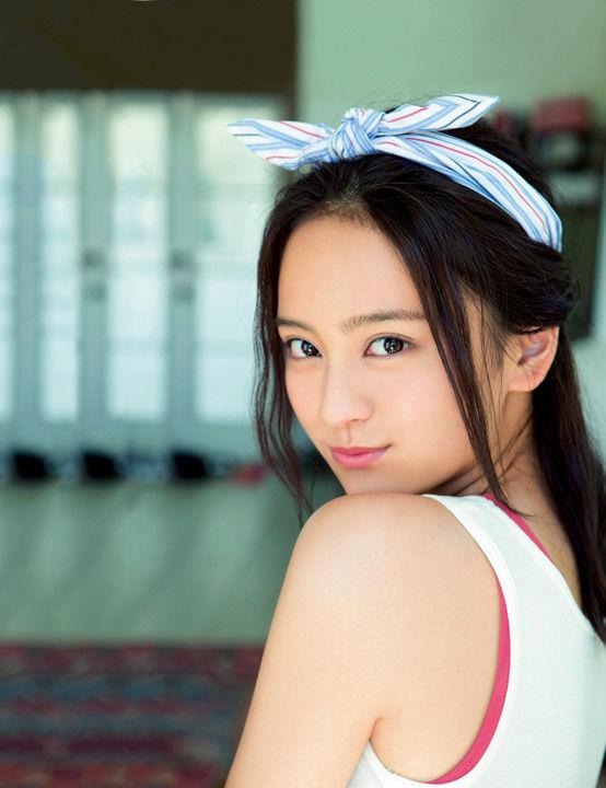 岡田結実(17)、「最近、ラーメンとか1人メシに行く」