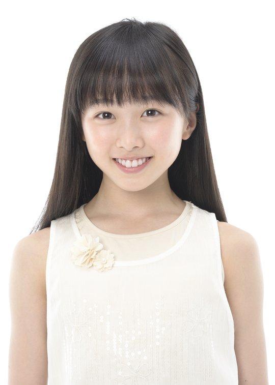 本田望結ちゃん(13)、いろんな女子高校生になる