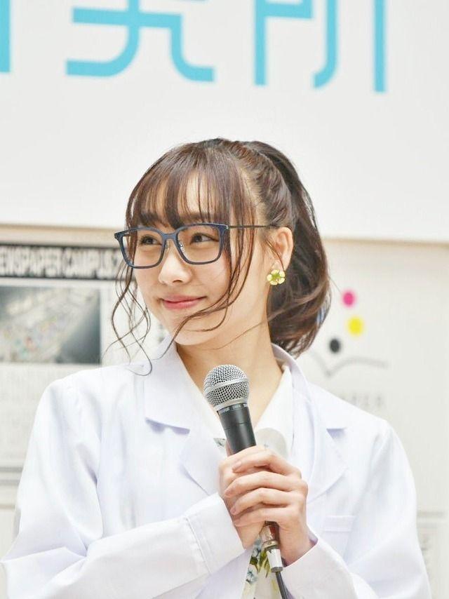 【画像】最高に可愛い白衣のメガネ女史を発見!!!